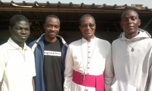Avec Mgr Léopold